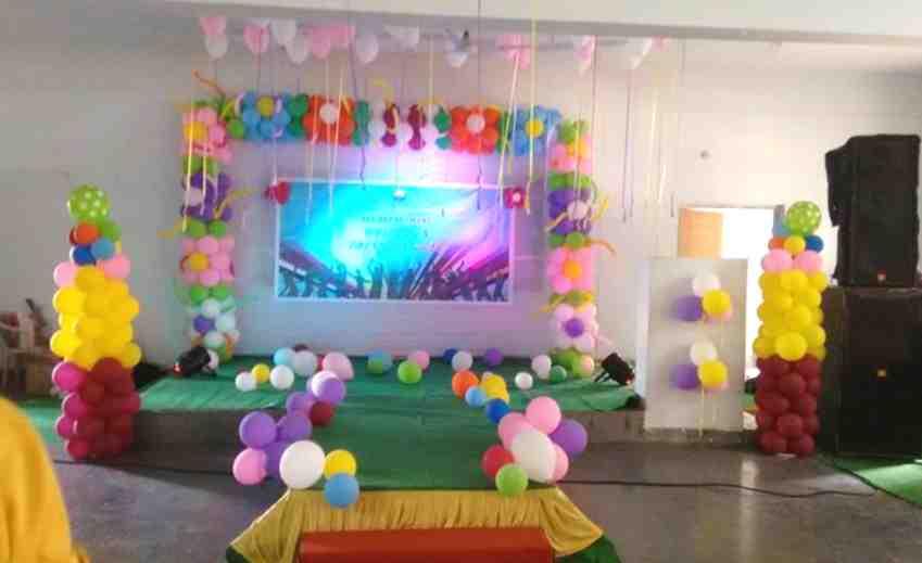 J balloon decorators event planners in manikonda for Balloon decoration in hyderabad