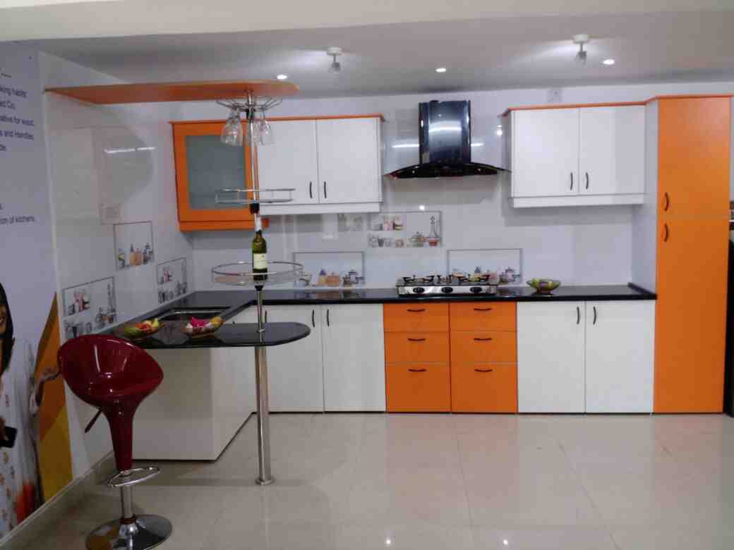 Modular kitchen cabinets designs in bhubaneswar small for Kutchina modular kitchen designs